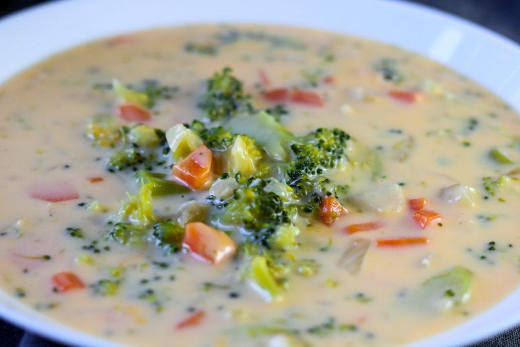 Easy Homemade Broccoli Cheese Soup