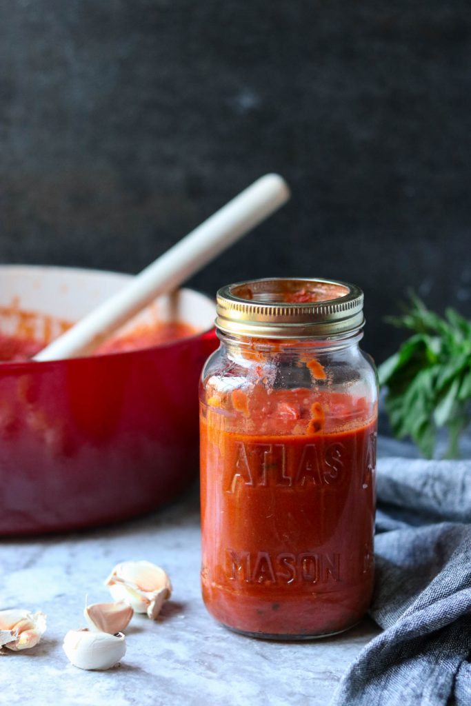Easy Homemade Marinara Sauce via momsdinner.net